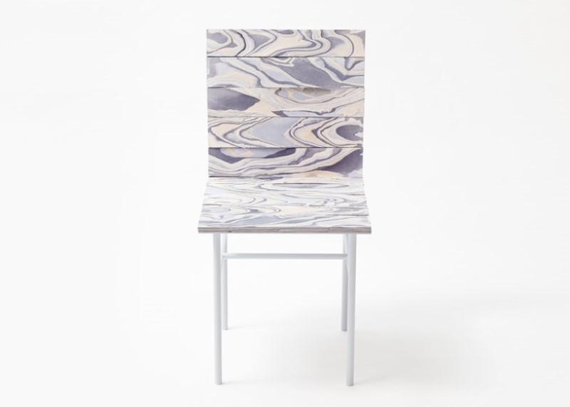 Nendo convierte el material de Alcántara en muebles con patrones de vetas de madera